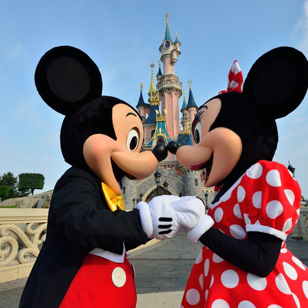 Les endroits les plus visités de France ,illustration mickey et mini